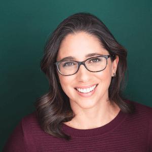 Diana Holguin True Bilingual Voiceovers Headshot 02